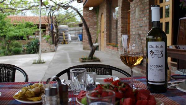 Dežela noro dobrega vina iz kvevri