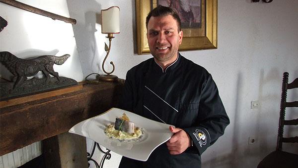 Chefov recept: Brancin s hruško, cvetačo in polento – Daniel Pirc