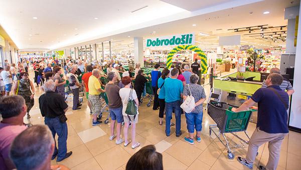 Tuš hipermarket v Kopru odslej popolnoma po meri kupcev