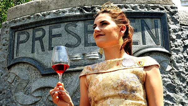 Poletna vinska razvajanja v staro Ljubljano privabila pet tisoč obiskovalcev