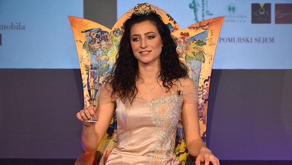 23. Vinska kraljica Slovenije za leto 2019 je Meta Frangež