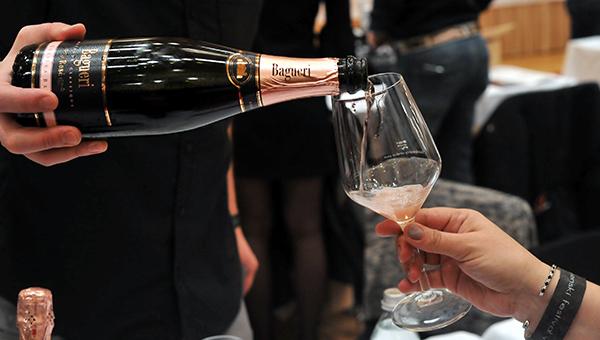 Šesti salon penečih vin odpira novo ljubljansko vinsko sezono in vabi v čarobni svet iskrivih mehurčkov